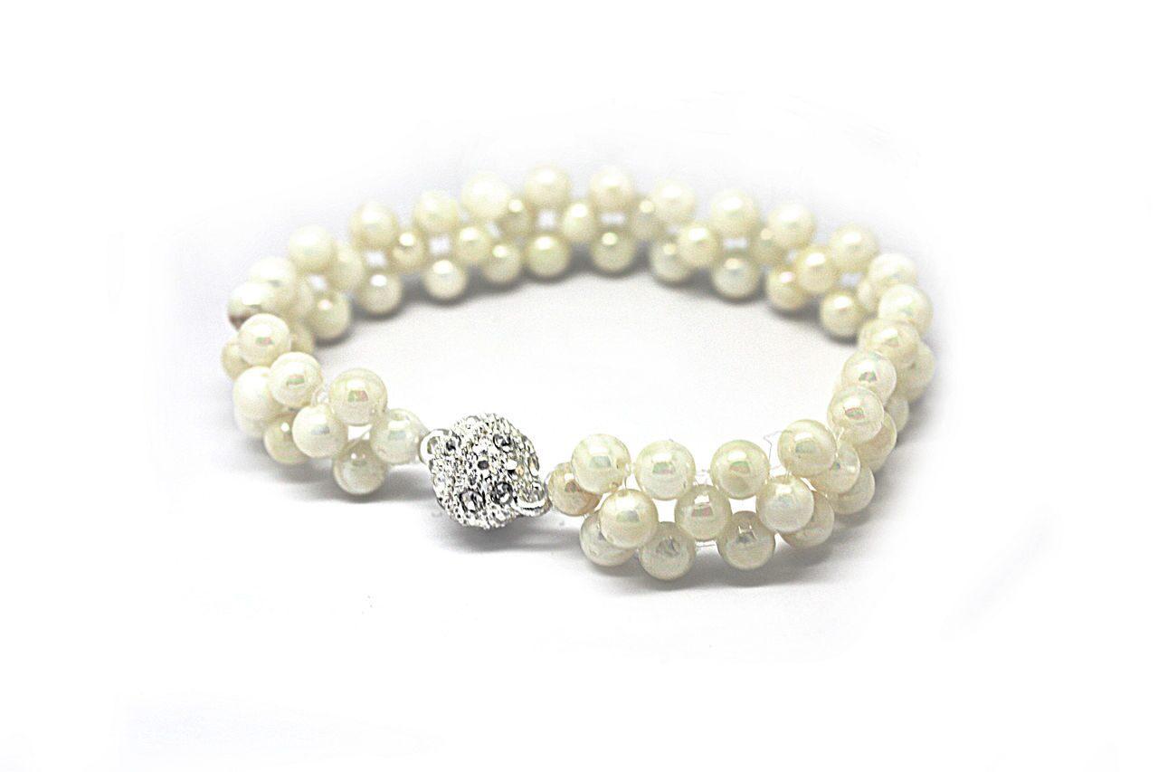 Ожерелье из жемчуга своими